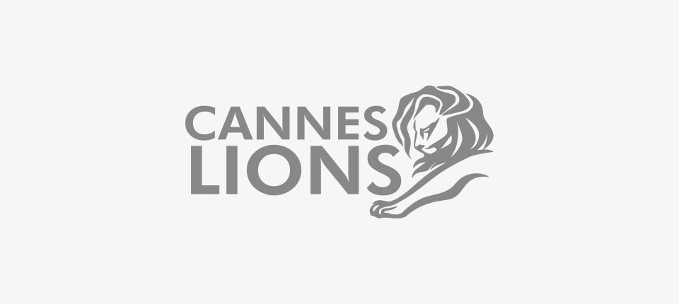 'Deja vu   KAMRA'won a Bronze Lion for Digital Craft at Cannes Lions Festival of Creativity 2016.